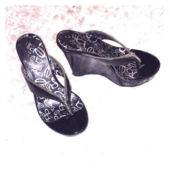 618d326010a2 bebe Shoes - Wedge heel-flip flops